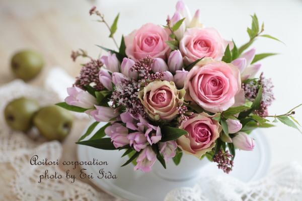 ピンクのバラ、りんどう